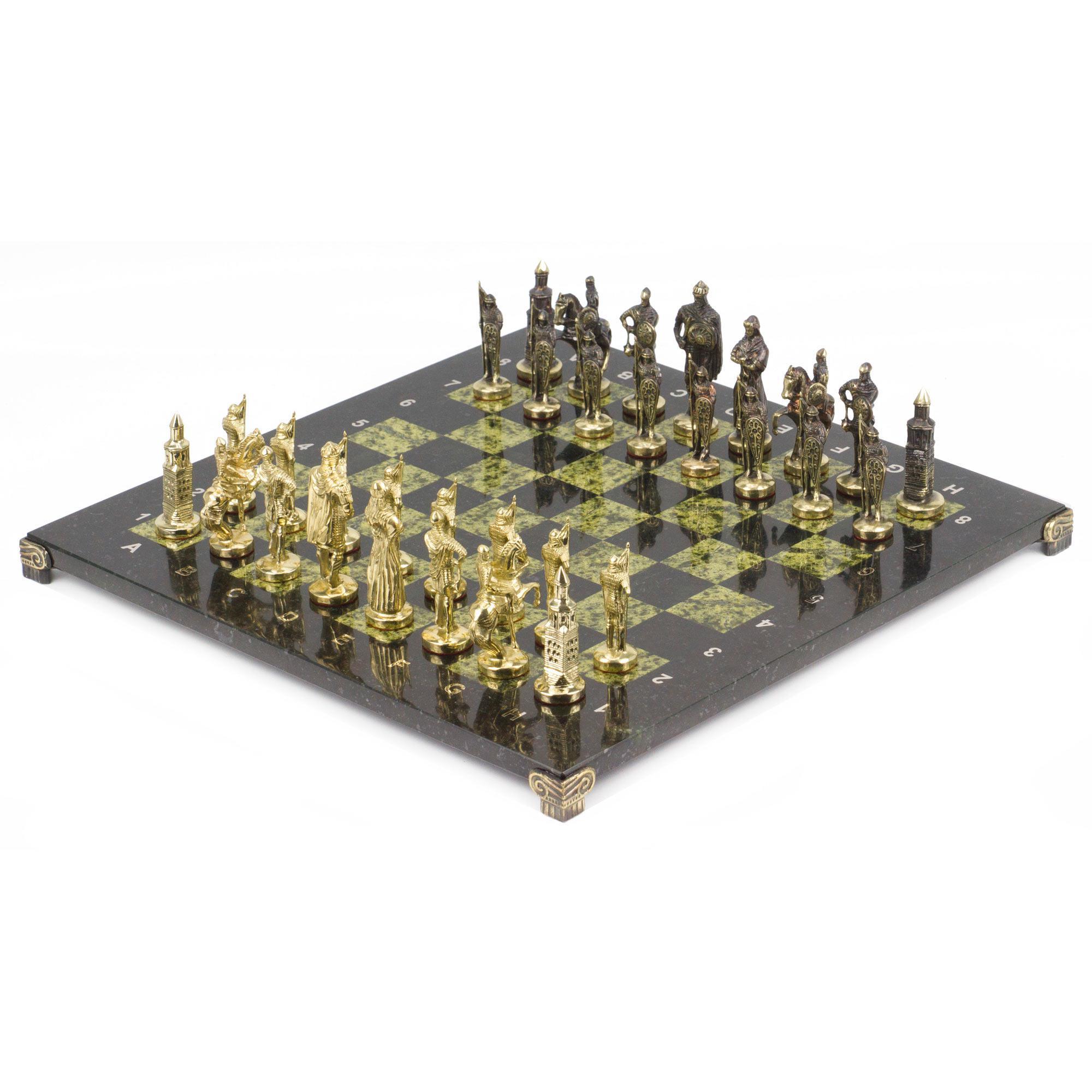 Шахматы Русские фигуры из бронзы, доска змеевика 40х40см