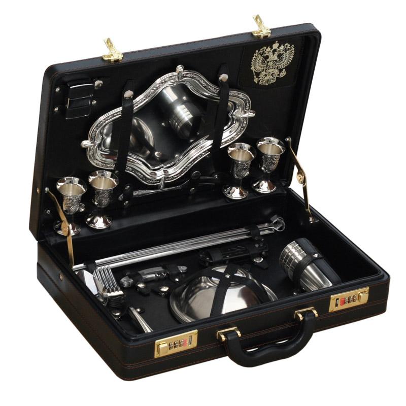 """Подарочный набор для пикника в чемодане """"турист"""" (на 4 персоны)"""